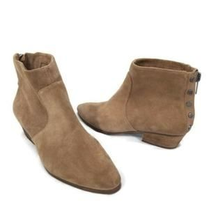 Vince Camuto 10 Cinza Suede Ankle Studded Booties
